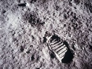 1969-piedone-sulla-luna